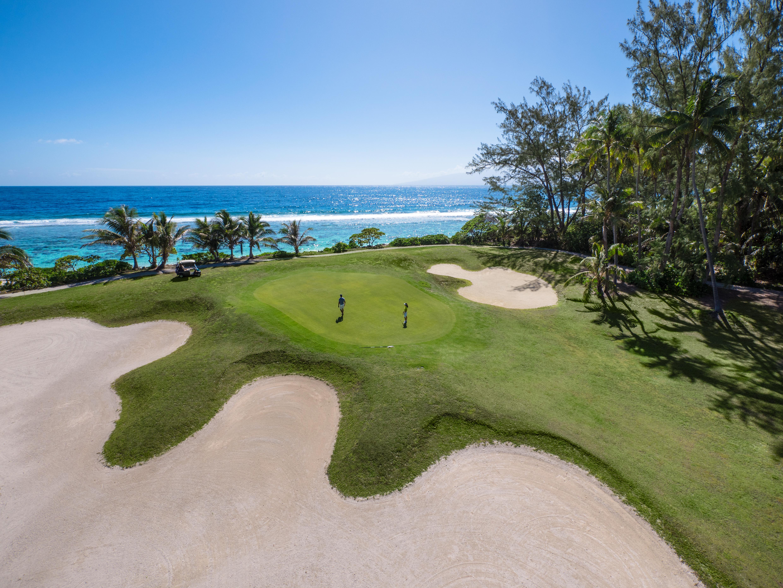 https://tahititourisme.be/wp-content/uploads/2017/08/ACTIVITES-TERRESTRES-Moorea-Green-Pearl-Golf-1.jpg