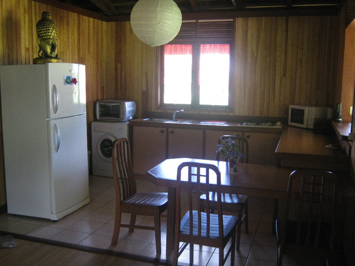 https://tahititourisme.be/wp-content/uploads/2017/08/Fare-Tiare-painapo-cuisine.jpg