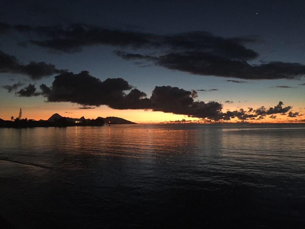 https://tahititourisme.be/wp-content/uploads/2017/09/Mer-coucher-de-soleil.jpg