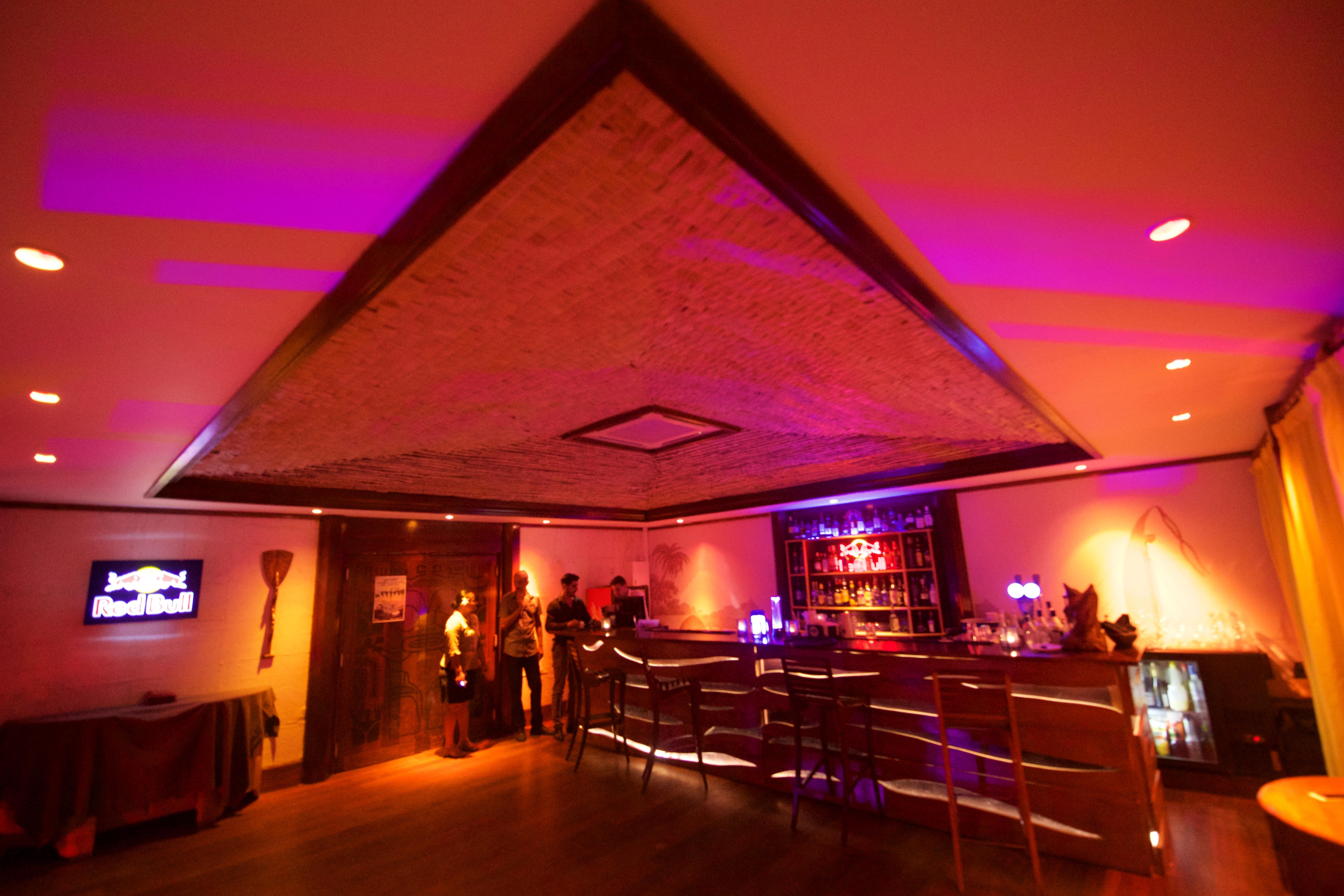 https://tahititourisme.be/wp-content/uploads/2018/03/RESTAURATION-Matahiehani-Lounge-Bar-1-Tim_McKenna.jpg
