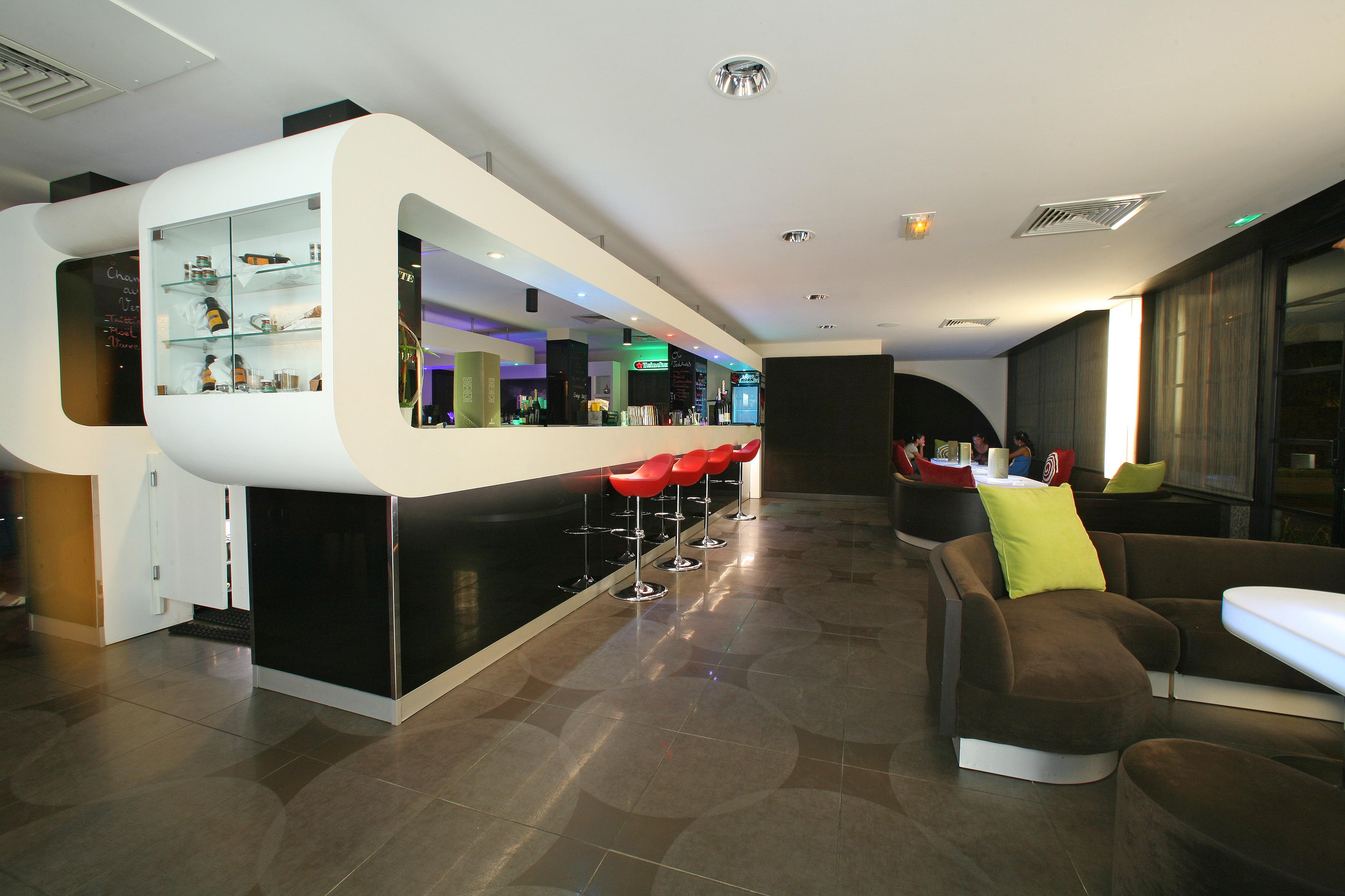 https://tahititourisme.be/wp-content/uploads/2018/03/RESTAURATION-Punavai-Lounge-Bar-1.jpg