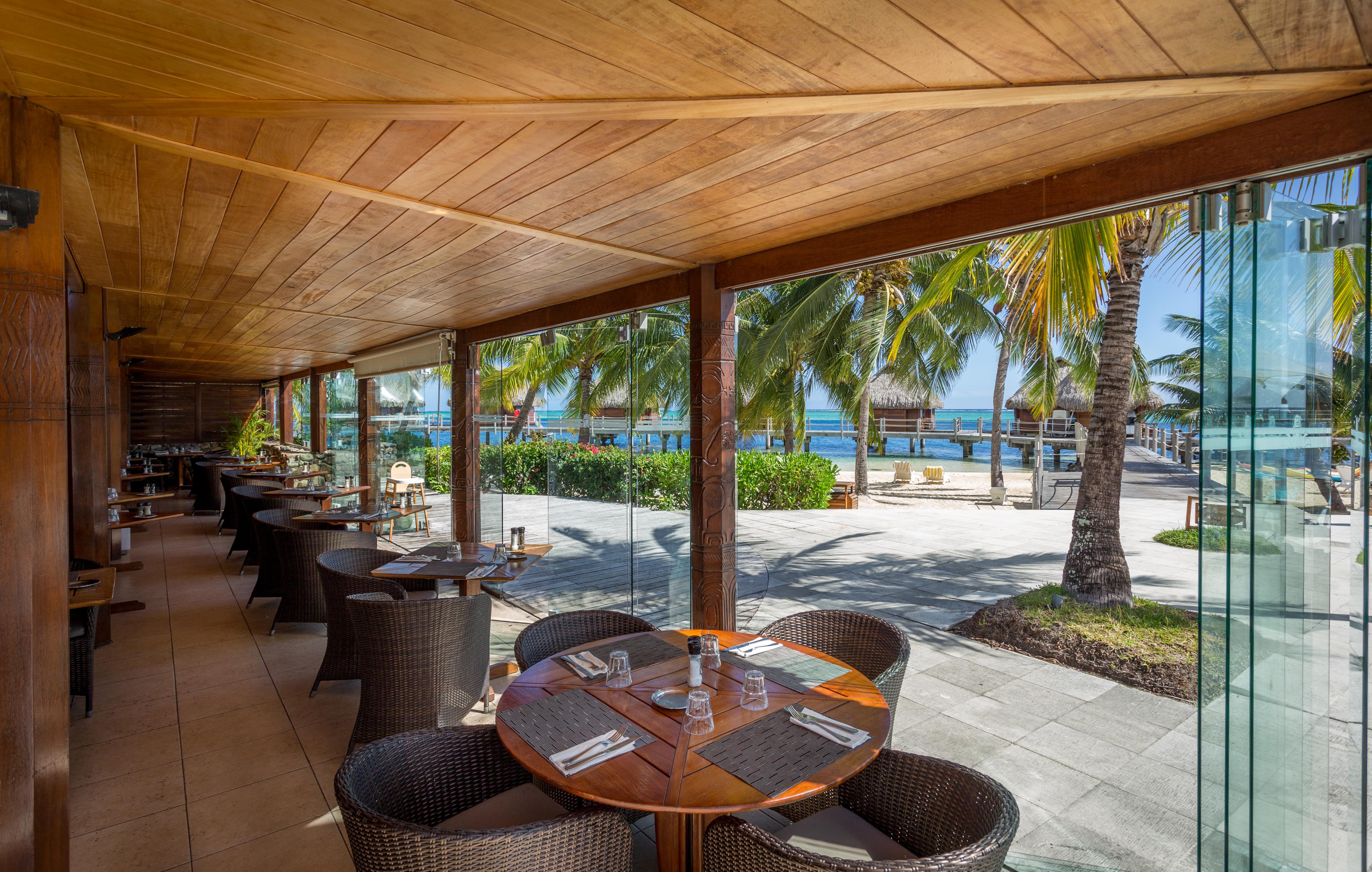 https://tahititourisme.be/wp-content/uploads/2018/03/RESTAURATION-Restaurant-Mahanai-1-Charles_Veronese.jpg