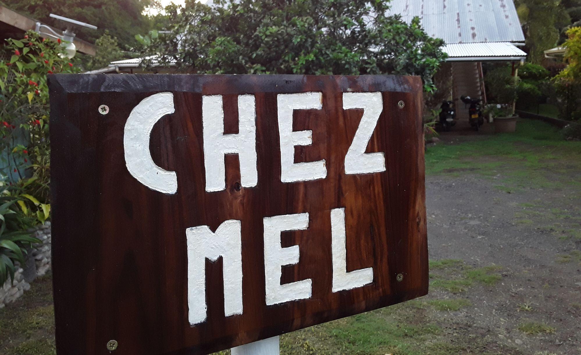 https://tahititourisme.be/wp-content/uploads/2020/07/Panneau-Chez-Mel.jpg